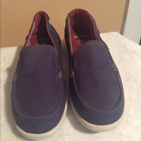 1fce22ed5 CROCS Shoes - Women s Walu Canvas Loafer Size 9 in great shape